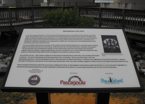 Pascagoula UFO Encounter Historical Plaque.jpg